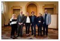 Alcuni rappresentanti con Marco Monesi.jpg