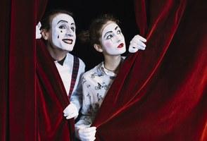 Un progetto per la rassegna di teatro per le scuole all'interno della Casa del Popolo di Castello d'Argile (scad.: 04/09)